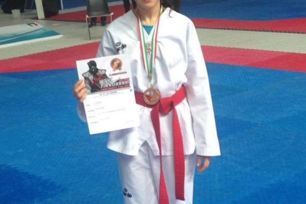 clara-forma-medaglia-di-bronzo-cinture-rosse-junior-2016A0F81E6A-080E-AB17-BF3B-2A5CB60CD117.jpeg