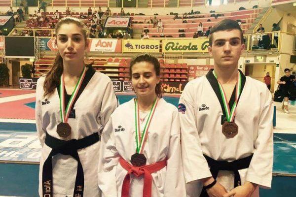 coppa-italia-2017-medaglie-di-bronzo-alice-casu-grazia-meloni-giorgio-piga8E830187-9CA9-1751-3E4C-CF4B7D55CF57.jpeg