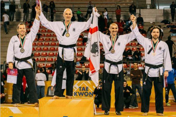 giovanni-sotgiu-tkd-futura-1969-campionati-italiani-forme-2017-argento-2018-oro-2019-oro-taglia-m149FA942-2378-16FB-F398-50EFA0187F65.jpeg